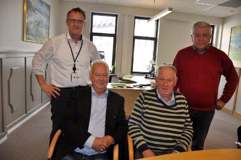 90.000: Hønefoss sparebank sørget for at kronerullingen kom i mål. På bildet: Per Arne Hansen, Roar Olsen, Erik Haraldseth og Frode Sjursen.