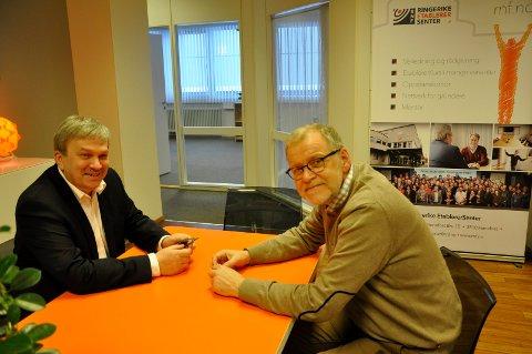 Ordfører Kjell B. Hansen og Jan Erik Gjerdbakken (Ringerike næringsforening).