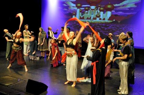 Arabiske netter: Det er som hentet ut av scener fra 1001 natt når musikallinja på folkehøgskolen spiller Aladdin.