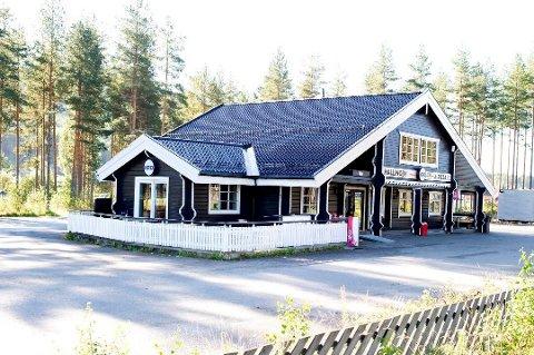 Stengt: Hallingby Kro og Takeaway har vært stengt av Mattilsynet, men er nå godkjent og åpnet.