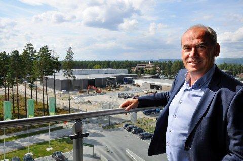 Terje Dahlen er ansatt som ny assisterende rådmann i Ringerike kommune. Nå skal han være med på å ansette de andre lederne i den nye strategi- og utviklingsavdelingen.