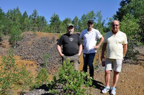 Gruvegang: Blir det som Bjørn Tor Engen, Arnold Rørholt og Baard Fossum ønsker, blir det tunnel gjennom den gamle slagghaugen inn til gruvegangene.
