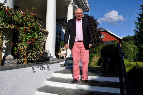 Frykter støy: Karl Otto Haraldsen frykter støy fra et nytt datasenter bare noen hundre meter fra gården på Viul.