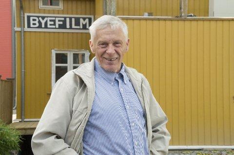 HANDY: Jubilanten Per Einar Lilja Bye har hatt fingre med i spillet under oppussingen av barndomshjemmet i Norderhovsgata.