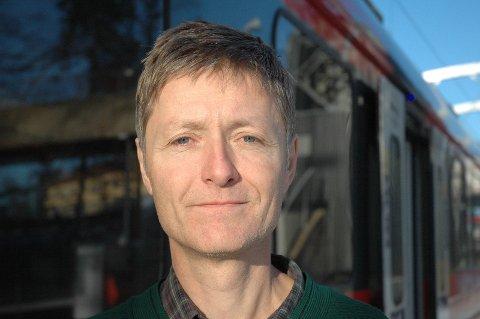 KRITISK: Kjell Erik Onsrud, leder av For Jernbane