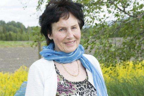 HJEMME: Det åpne landskapet ved Ask har vært Olaug Larsens hjemmearena hele livet.