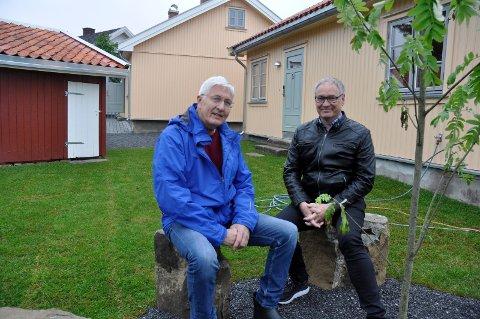 Samfunnsansvar: - Det er et samfunnsansvar å ta vare på byens historie. Det har vi gjort her, sier Erik Karlsen i Eiendomsservice Ringerike og Gjermund Riise Brekke i Ringerike Boligstiftelse.