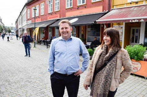 BRENNER:  Nils Vegard Guldal og Kati Huttunen brenner for å skape mer liv på Søndre torg.