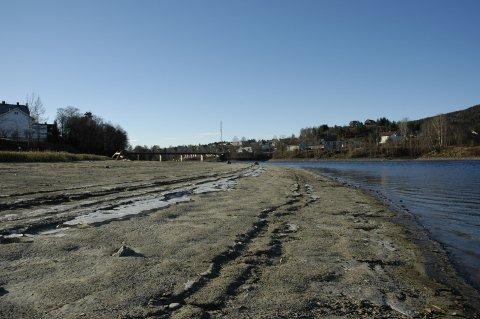 VANNSTAND: Det er lite vann i Randfjorden og Randselva. (arkivfoto)