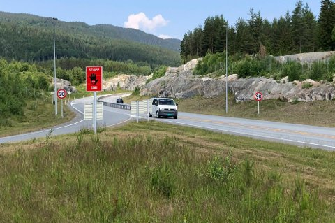 HØY FART: På riksvei 7 ved Sokna kjøres det mye i høy hastighet. Fredag kveld var det tre MC-førere som holdt mellom 140 og 150 km/t.
