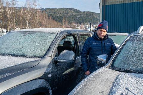 OPPGITT: – Irriterende når sånt skjer, men det er ting som kan ryddes opp i, sier Børre Simensen, som er  daglig leder ved Eiker Bilsenter i Krokstadelva.