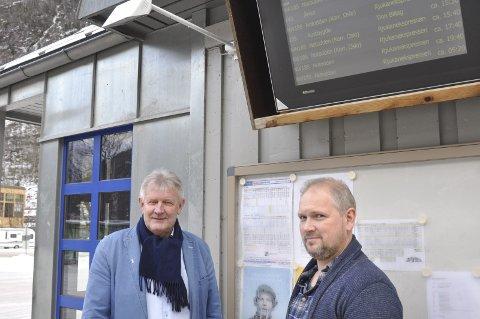 I rute: Tinn Billag innfører nye rutetider fra 8.januar. - Dermed vil Nettbuss sine ruter til og fra Notodden stemme overens med våre ruter,påpeker daglig leder Anfinn Maurud. Her med driftssjef Vidar Barlindokk.