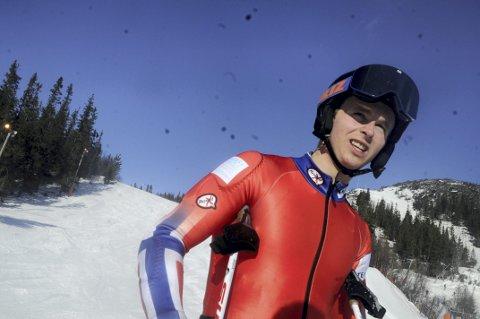 TØFFING: Amund Møster Haugen kjenner han har for få timer på skia til å være i toppform. Men han kjenner bakkene på Gaustablikk som sine egne bukselommer, og håper han kan finne formen denne uka.
