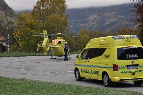 """BEREDSKAP: Stiftelsen Norsk Luftambulanse etablerer gps -baserte innflygningsruter til stadig flere norske byer og tettsteder- rett og slett fly i """"blinde"""" i dårlig sikt. Nå viser det seg at høye fjell og trange daler gjør at ambulansehelikoptere  ikke kan instrumentfly lavt nok til å kunne lande med dagens teknologi og regelverk"""