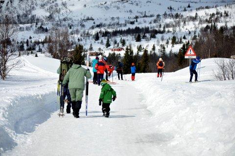 Ut på tur: Det har vært mye hyttefolk  og skiturister på fjellet i Tuddal denne helga. (Arkivfoto: Unni Buverud)