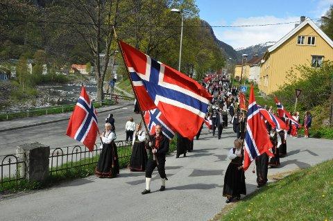 FEIRING: Om det blir slik på Rjukan, som dette bilder fra 2015, på 17.mai i år? er usikkert.