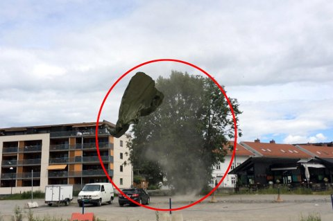 Minitornado i Lillestrøm i 2014. Slikt kan også komme til Follo torsdag..