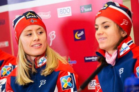PÅ LAGET: Ragnhild Haga og Heidi Weng er klare for tremila. FOTO: NTB SCANPIX