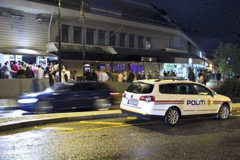 MINDRE VOLD OG BRÅK: Politiet mener stenging av torgata i helgene vil føre til mindre bråk og vold.