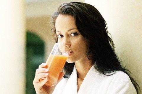 JUICE: En vanlig feil mange gjør er å drikke for mye juice. Foto: Colourbox (Illustrasjon)