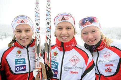ALLE VIDERE: Lotta Udnes Weng (t.v.), Tiril Udnes Weng, og Amalie Håkonsen Ous tok seg alle videre fra prologen under NM-sprinten på Gåsbu.