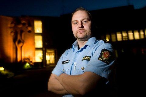 ADVARER: Politiførstebetjent Vidar Aasvangen.