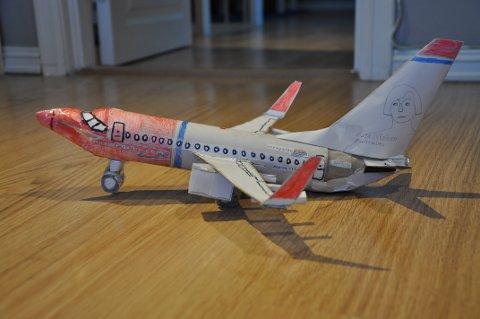 Dette Norwegian-flyet er Andis personlige favoritt. – Det har så fine farger, sier han.