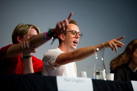 AKTIV I DEBATTEN: Nicholas Wilkinson (SU) vil stoppe de fossile partiene på Stortinget.