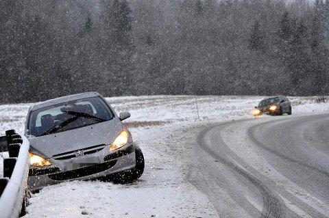Tidligere har det første snøfallet skapt trøbbel på romeriksveiene.