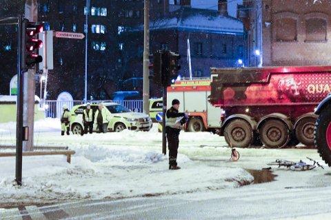 DØDE: En syklist døde etter å ha blitt påkjørt av en traktor på Sandaker i Oslo i februar. Traktorføreren er nå siktet for uaktsomt drap. Foto: Terje Bendiksby / NTB scanpix