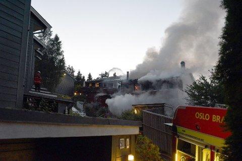 REKKEHUSBRANN: Leiligheten hvor brannen startet var overtent da brannvesenet ankom.