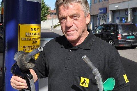 NAFs Jan Ivar Engebretsen fra Jessheim advarer folk mot å bli for varmedistré.