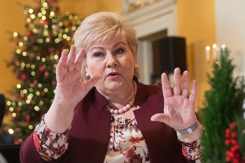 MØTER SKEPSIS: Halvparten av de spurte i en ny undersøkelse tror Erna Solbergs regjering overlever 2020.