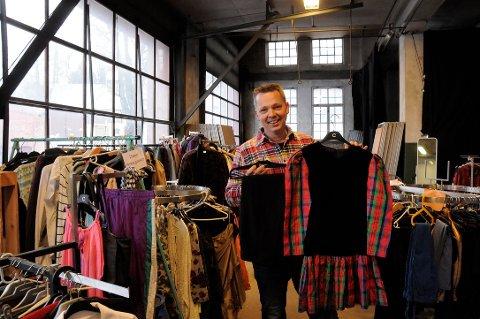 GIVERGLEDE: Alle som trenger klær, kan komme innom Magoveien 22 i Eidsvoll verk.