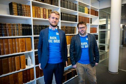 VIL BIDRA: Henrik Skrimstad (t.v.) og Brede Gundersen i Advokatforeningen Romerike er klare for å samle inn penger til årets TV-aksjon.