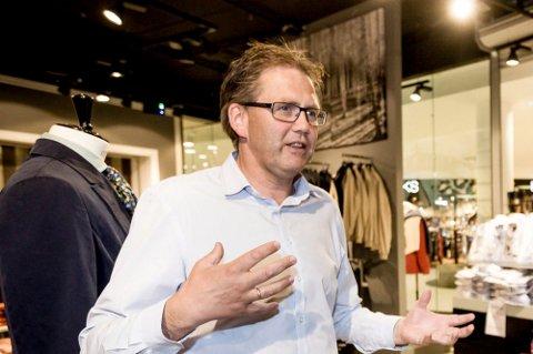 OPTIMIST: Senterleder Per Kristian Trøen ved Strømmen storsenter håper og tror at kjøpesentrene i Lillestrøm snart kan åpne.