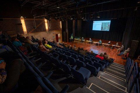 GODT OPPMØTE: Folkemøtet i Gjerdrum ble arrangert i to omganger for å ivareta smittevernet. RB var til stede på det siste møtet.