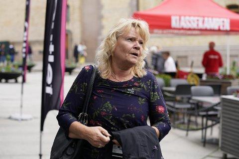 Oslo  20190605. Kari Kjønaas Kjos ankommer Frps  ekstraordinære landsstyremøte møte om bompenger onsdag ettermiddag. Foto: Heiko Junge / NTB
