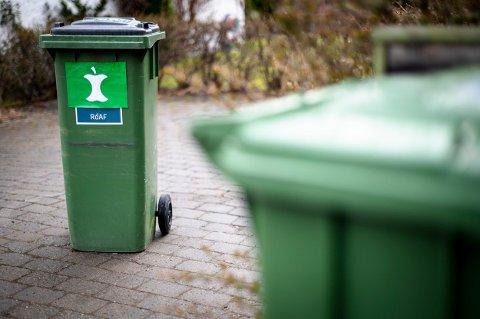 EN DUNK TIL: I ROAF-kommunene får innbyggerne snart en ny avfallsdunk å forholde seg til. Det er foreløpig ikke klart hvordan den nye beholderen skal se ut annet enn at den vil være merket det nye, nasjonale avfallsmerket.