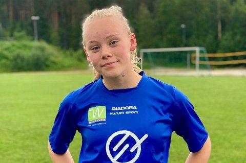 GLAD: Mari Bratten (14) fra Huringen er tatt ut på stor talentleir som starter 29. juni.