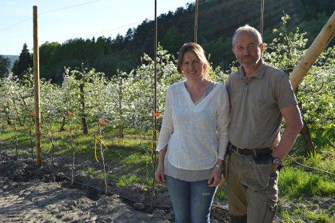 VIL UTVIDE: Merete Hyggen og Oddbjørn Viken vil utvide eplegården på Hyggen.