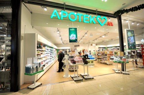 APOTEK HJÄRTAT: På apoteket på Nordby shoppingsenter kan du få enkelte apotekvarer til vesentlig lavere pris enn i Norge. Foto: Astrid Helen Holm (Mediehuset Nettavisen)