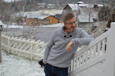 SATIRE:  Snodig at det er lengre fra Sandefjord til Andebu enn fra Andebu til Sandefjord, mener tekstforfatter Øyvin Hansen.