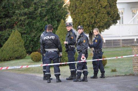Politiet sperret av området etter knivstikkingen på Framnes.