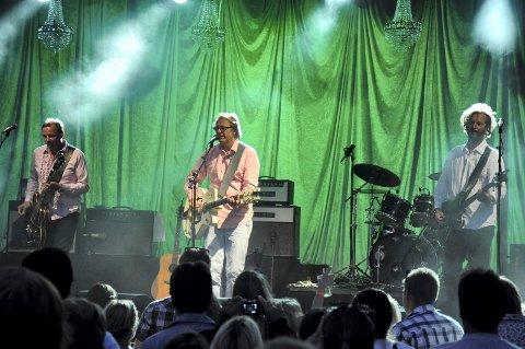 SUSER AVGÅRDE IGJEN: deLillos er på mange måter på «hjemmebane» i Kjerringvik. Etter ett års opphold er bandet tilbake for å ha akustisk konsert på Fornet 29. juli. Her fra da de spilte der i 2013.