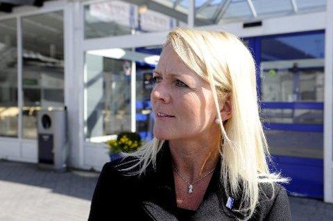 LUFTROMMET ÅPNET IGJEN: Like etter klokka 15.00, kunne markedssjef på Torp, Tine Kleive-Mathisen, opplyse at flyene kunne ta av igjen.