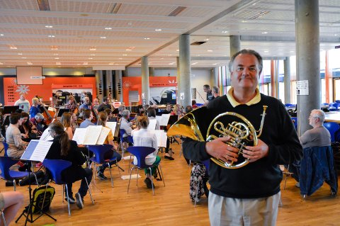 TRENGER STØTTE: Tom Huseby i Vestfold symfoniorkester.