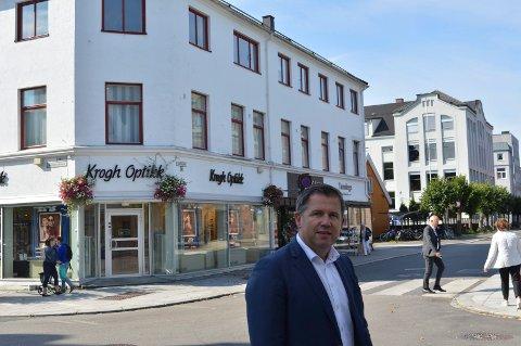 INDREFILETEN: Rune Allerød i Q4 Næringsmegling har allerede flere interessenter som vil by på den 2.200 kvadratmeter store bygården.