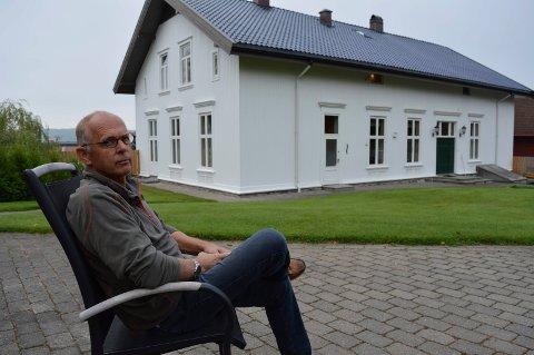 SPENT PÅ FRAMTIDA:  Jeg blir nok den siste som bor her på gården, sier Harald Abrahamsen.