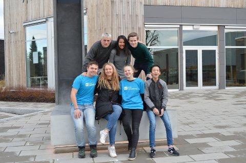 Øverst  fra venstre: Oddvar Bøe, Tu Quyen Tran og Trond Skaret Johansen. Nederst fra venstre: Viljam Strøm, Anna Charlotte Svendsen, Johanne Dreng og Nicolai Tran.